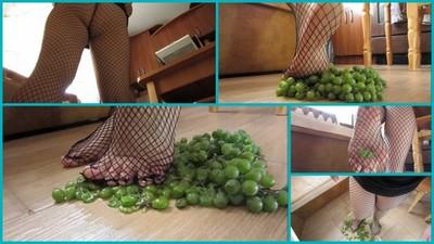 I crush grapes.