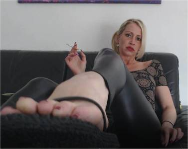 Tribute your smoking Goddess Helene