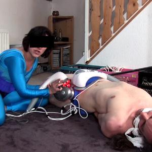 Sperm robbing Lycra Alien - Your DNA is mine!