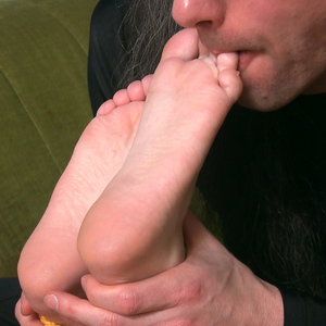 Those sweet toes, how sweet they taste!