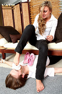 06-002 - Smell my stinky sneakers, socks and feet (Pictures)