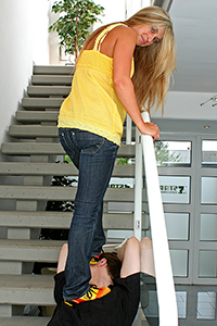 07-002 - Trampling my slave on the stairs (Pictures)