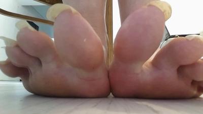 Giantess Steps On U