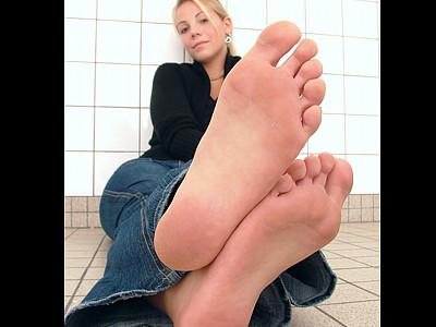 ALEXAs FEET Shoesize 36 EU