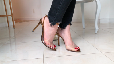 DANGLING WITH RED NAILS AND EXTREMELY SEXY SANDAL