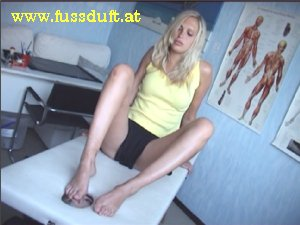 Foot worship slave smell chantal stinky soles