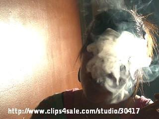 Queen Faith Smoking Nose exhale (low version)