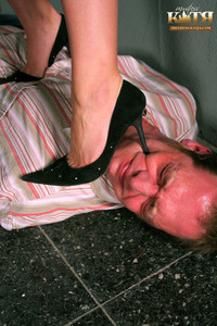 01-001 - Hard Trampling Session in my dungeon (Picture Set)