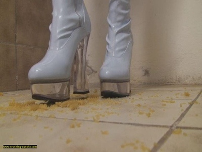 Boot Food Crushing 36