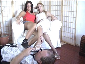 hot feet sniffing with highheels and barefeet, sweet girls enjoy the footsmelling from the foolover