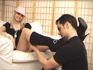 hot feet sniffing movie, footlover takes off Paris shoes and smells her stinky soles