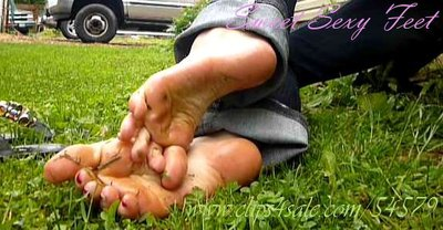 Dirty Grassy Feet - AVI