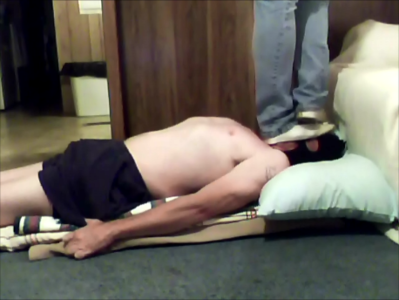 Trample Goddess Shows Rung hubby what trampling feels like!