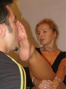 Sexy Milf Foot Worship