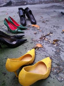 Fruit and Vegetable Crushing with high heels