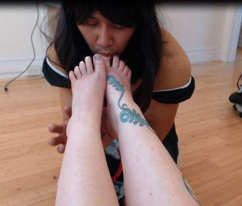 Sissy Foot Worship