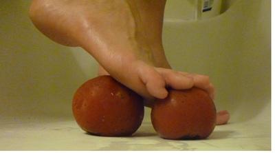 Sweet Sexy Feet Makes spaghetti sauce - MP4 HD