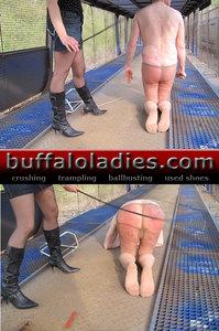 Lashing the slave ass