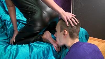 Lick Nina Feet