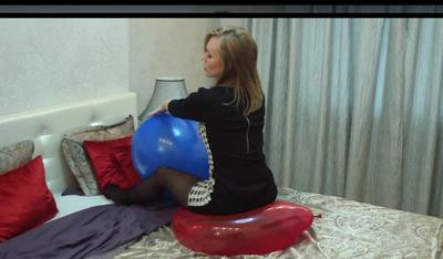 Nastya play to pop with red balloon